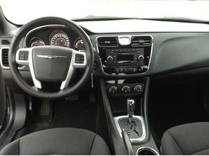 2014 Chrysler 200 Touring 4dr Sedan (2.4L 4cyl 6A)
