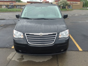 2010 Chrysler Town and Country Touring 4dr Minivan (3.8L 6cyl 6A)