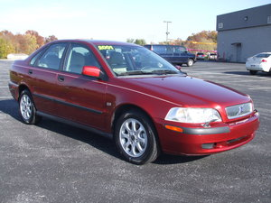 2001 Volvo S40 4dr Sedan (1.9L 4cyl Turbo 5A)